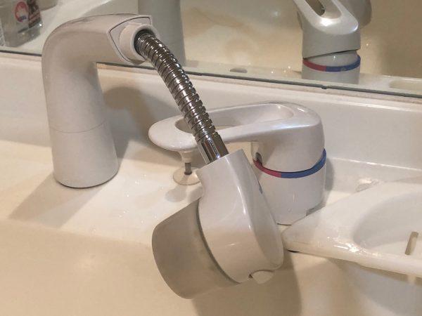 洗面台シャワー